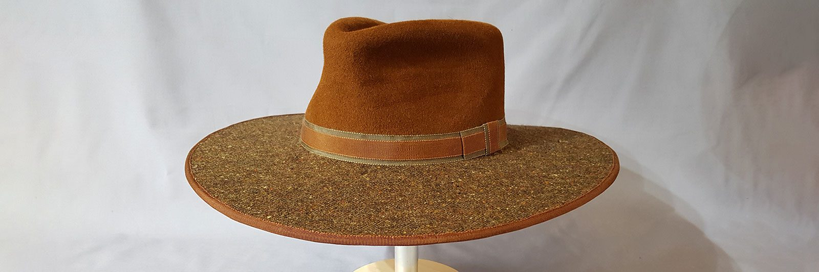 Noble Suitor hat with tweed brim